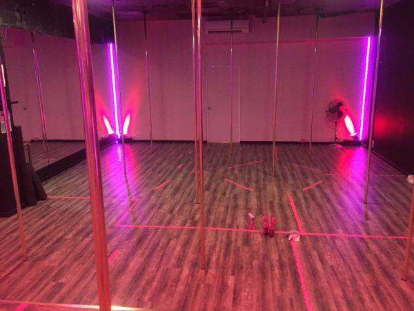 ポールダンススタジオの様子