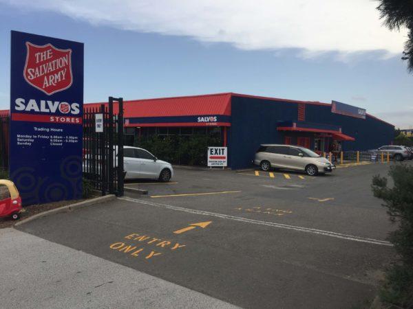 オーストラリアのオプショップ Salvosの入り口