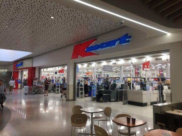 Kmartの店舗入り口の様子