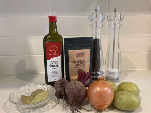 ビーツとジャガイモスープの材料